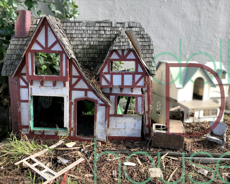 D_dollhouses